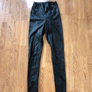 Aritzia Wilfred free Daria leggings faux leather